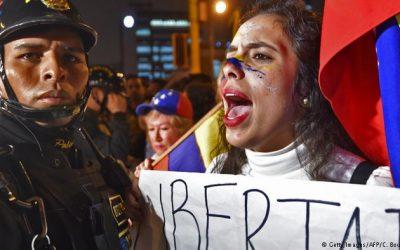 DW: ACNUR pide a los países acoger a quienes huyen de Venezuela